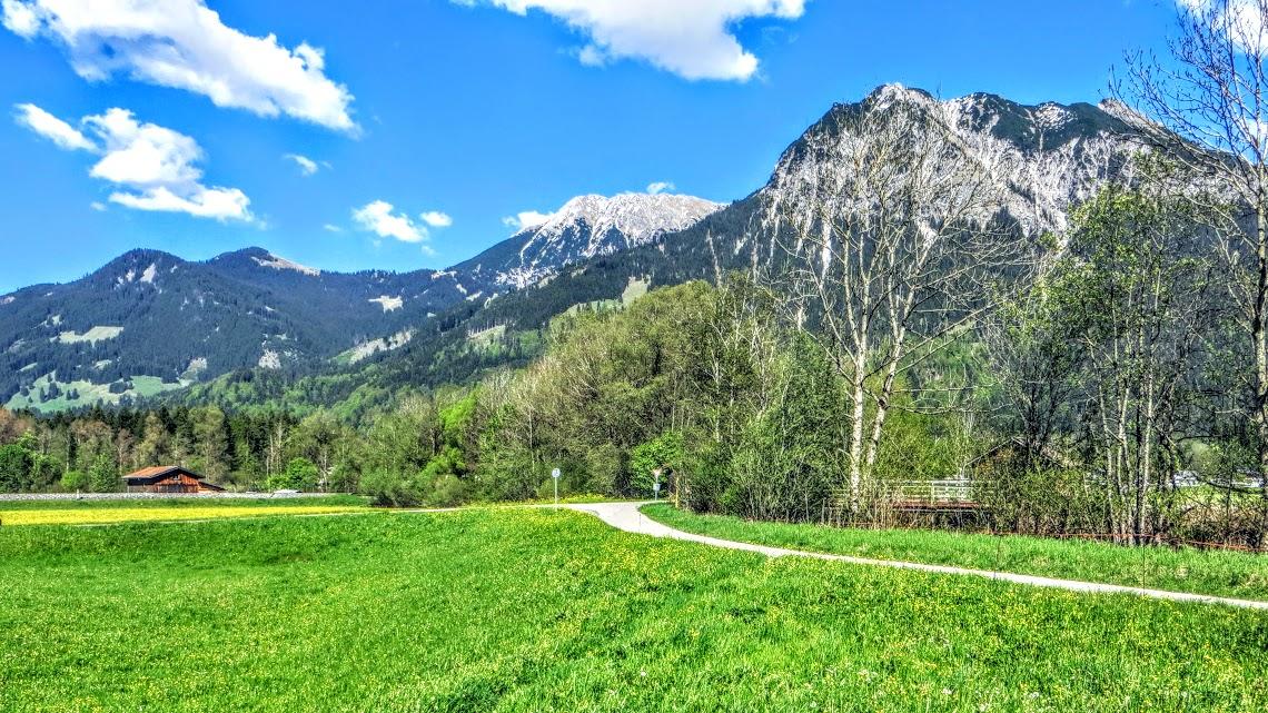 Vor Querung Stillach Blick auf Rubihorn Oberstdorf Allgäu