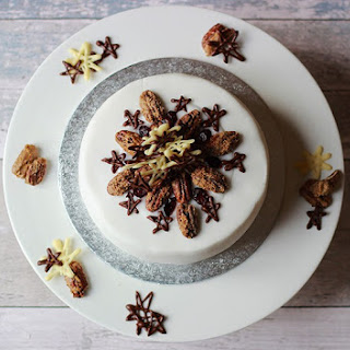 ProperFoodie's Christmas Cake and icing decoration