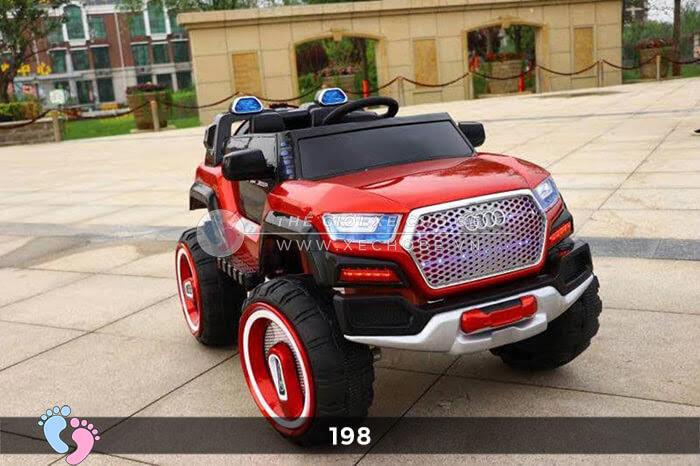 Siêu xe ô tô điện 4 động cơ 198 5