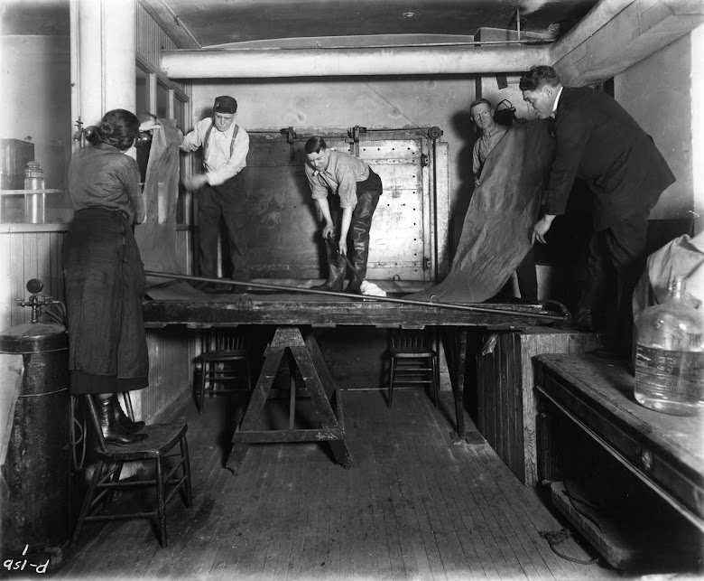 Academy staff developing a photographic enlargement for a diorama, ca. 1915