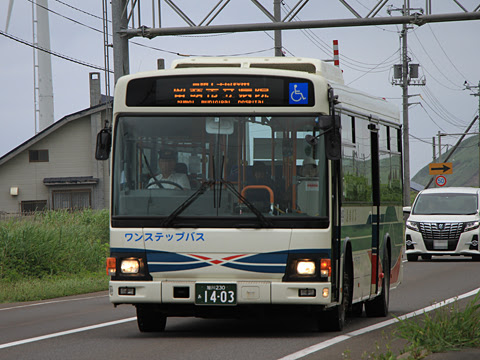 沿岸バス「豊富留萌線」 1403 上平バス停にて