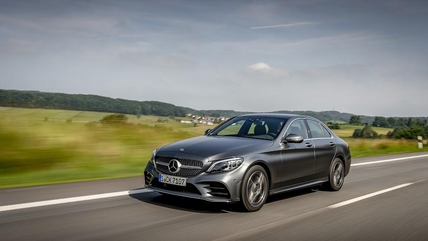 Mercedes-Benz ofrece a día de hoy 19 modelos con tecnología de hibridación suave