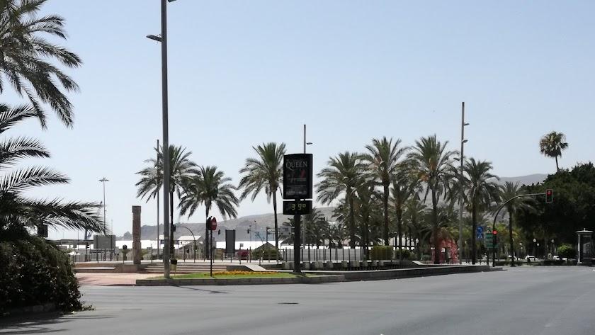 Termómetro marcando 39º en las cercanías del puerto de Almería