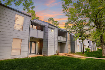 Go to Regency at Raleigh Apartments website