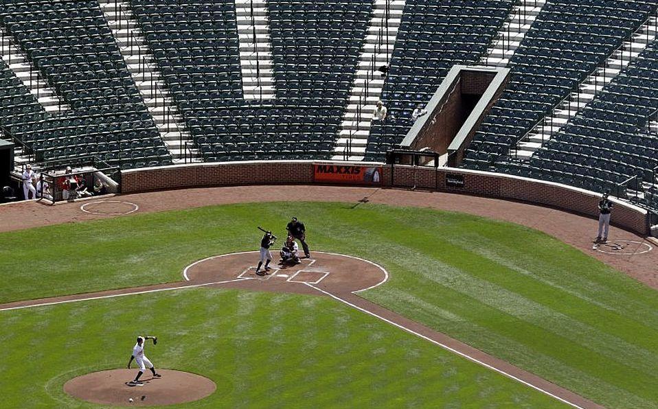 Un juego de beisbol  Descripción generada automáticamente