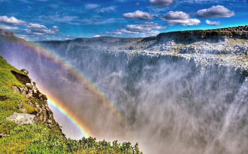Una cascata di colori di Roberto Simonazzi
