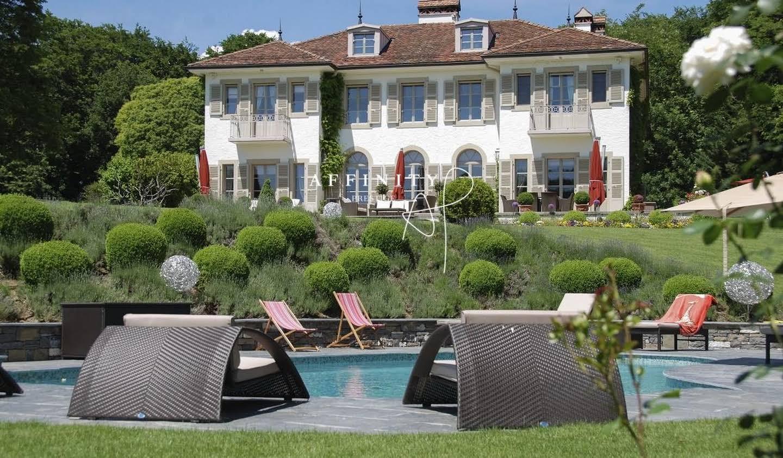 Propriété avec piscine et jardin Nyon