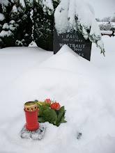 Photo: Totengedenken für alle verstorbenen Mitglieder am Grab von Paul Leister