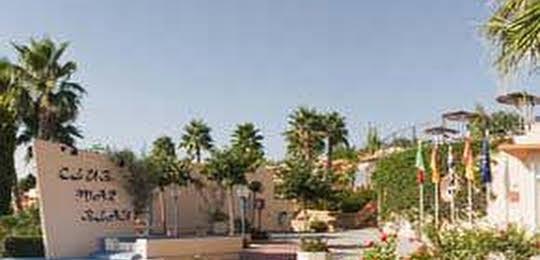 Apartamentos Mar Blau