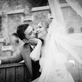 Windy veil by Klaudia Klu - Wedding Bride & Groom