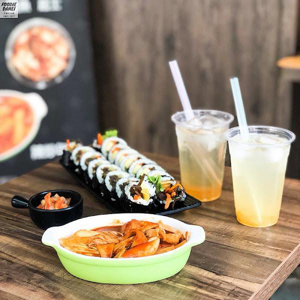 新平洞김밥-清爽又美味的韓式飯捲!金雞母正對面,小店面大溫馨
