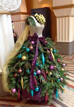 Photo: Tämä jouluasu ei tainnut oikeastaan olla myynnissäkään - vaikka onhan se kaunis
