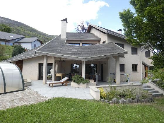 Vente villa 7 pièces 233 m2