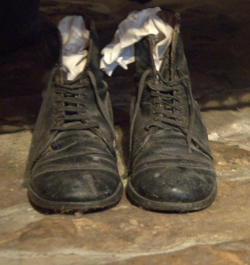 Un paio di scarpe di Dama