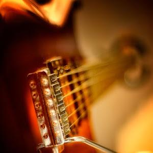 gitar-b.jpg
