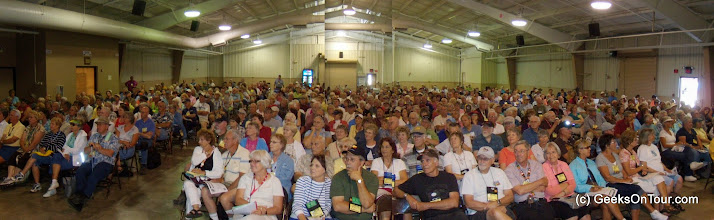 Photo: Our record-setting audience for a Beginning Picasa seminar in August of 2010 at the FMCA convention in Redmond, Oregon