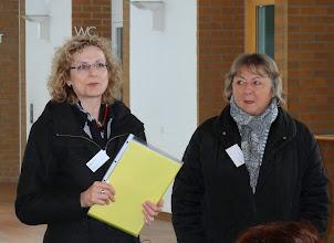 Photo: Begrüssung der Stadtrundgang Teilnehmer durch die Hostessen Catherina Peer und Elfie Rabenbauer