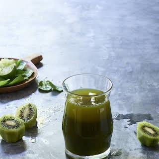 Kiwi Emerald Delight Detox Juice.