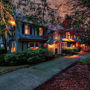 005-Twilight_Front_View-1356769-large.jpg
