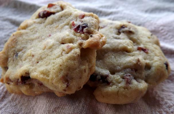 Soft and Chewy Cranberry Walnut Cookies Recipe