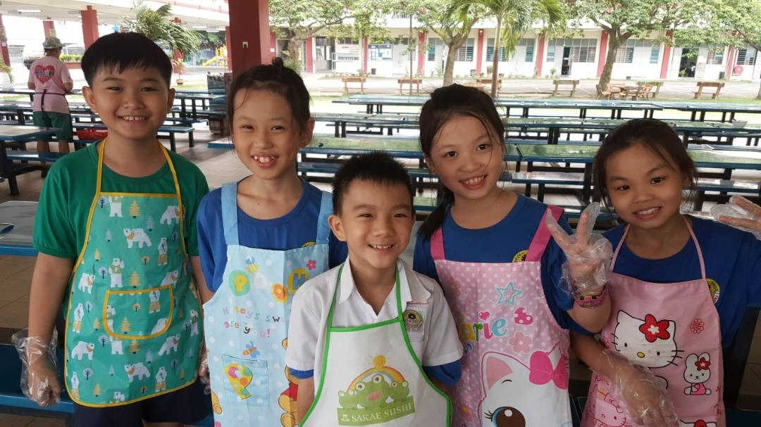 18.8.2017三年级学生煮海南鸡饭