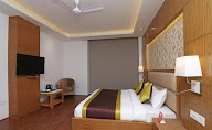 Capital O Premium Hotel Star Suites photo 10