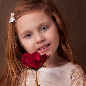 girl by Anna Anastasova - Babies & Children Child Portraits ( little girl, girl, beautiful, beauty, portrait )