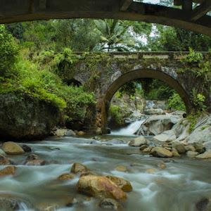 Bambalu Waterfall, Palopo.jpg