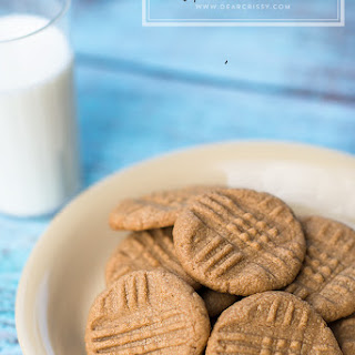 Easy Peanut Butter Cookies.