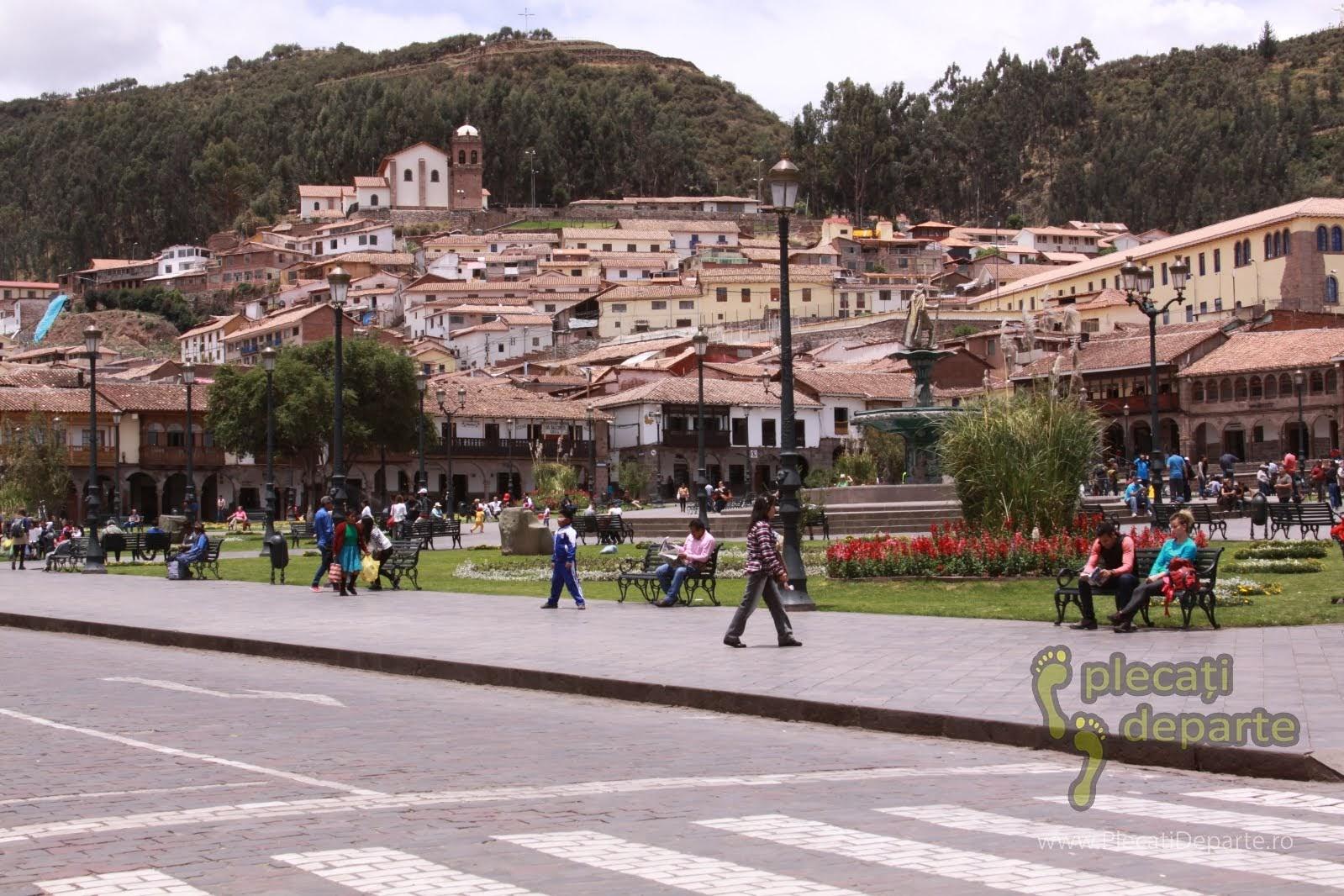 Plaza Mayor sau Plaza de Armas in centru orasului Cusco, Peru