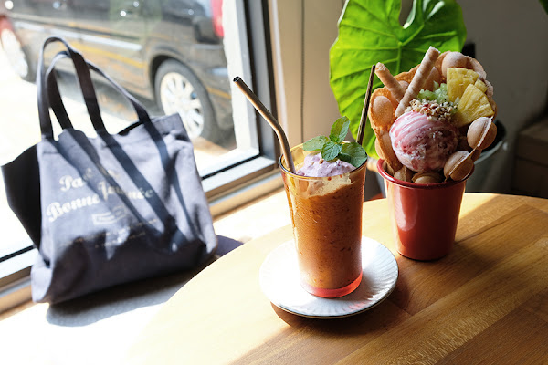 果核抵家 | 赤崁樓附近,廟旁的英倫風咖啡店