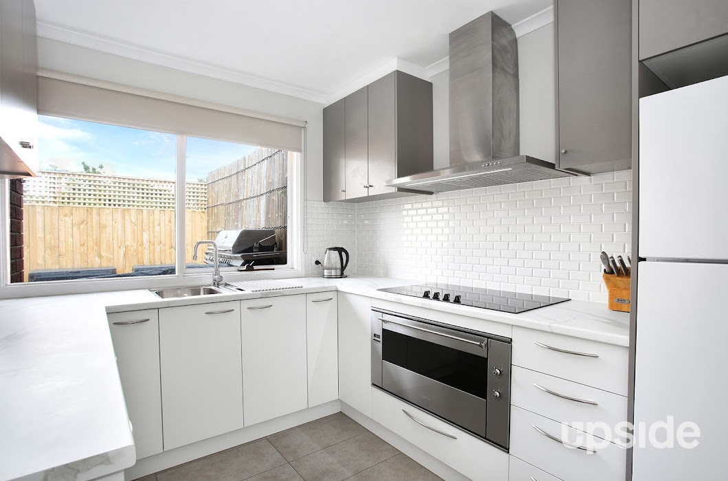Main photo of property at 16/1 Mcintosh Court, Aspendale Gardens 3195