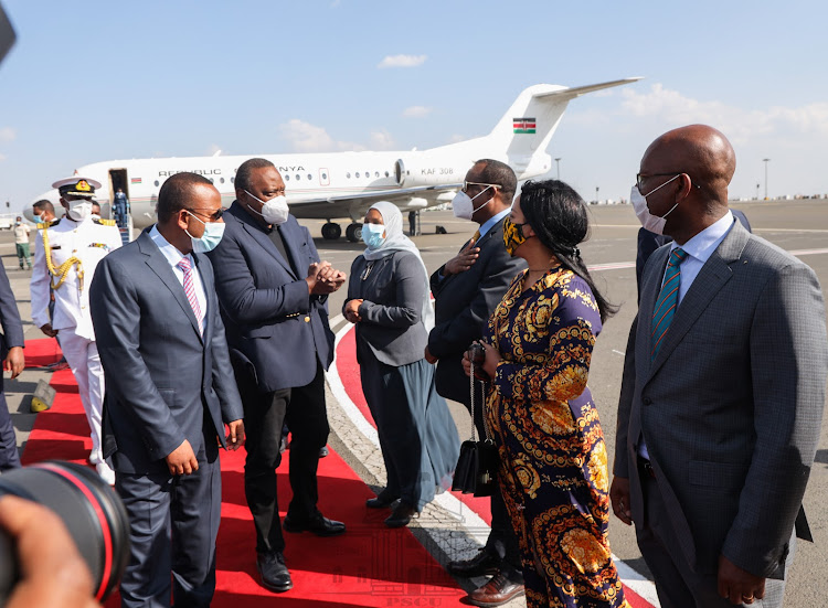President Uhuru Kenyatta received by Ethipia government officials in Addis Ababa