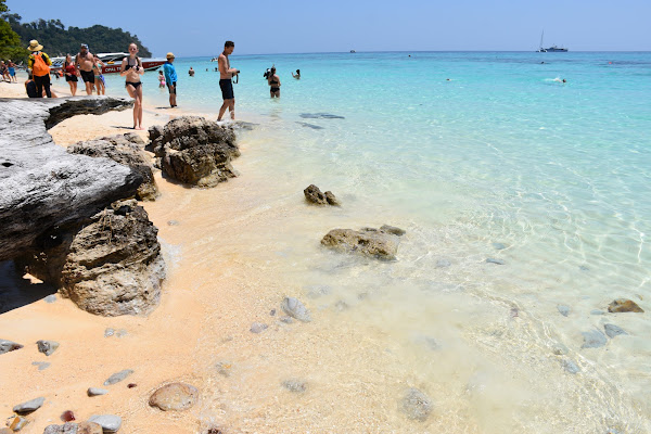 Relax at the beach of Koh Rok Nai