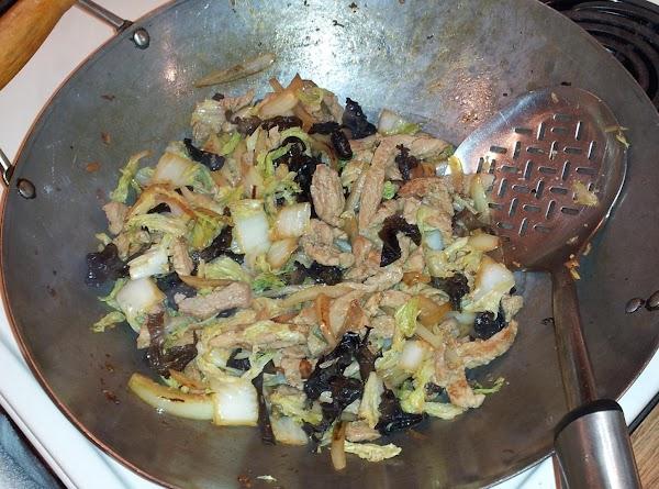return meat to wok, stir and add black fungus