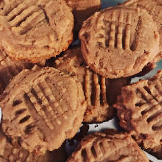 Keto Peanut Butter Cookies.