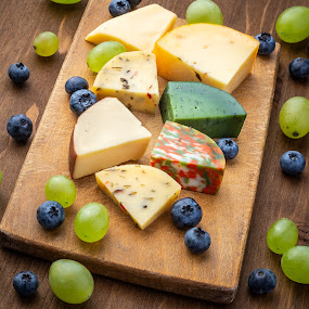 Late snack by Bogdan Rusu - Food & Drink Meats & Cheeses ( berry, color, wood, grape, cheese )