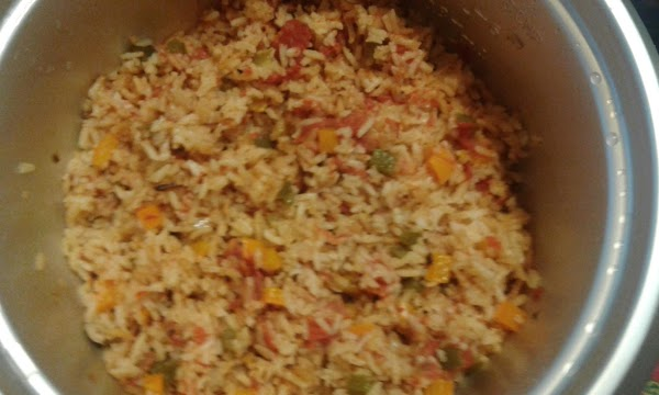 Now... If you didn't cheat and if you didn't worry, your Spanish rice should...
