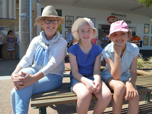 Jenny Darlea, Claire Watt and Molly Rees at the Boggabri Spring Fair on Saturday.