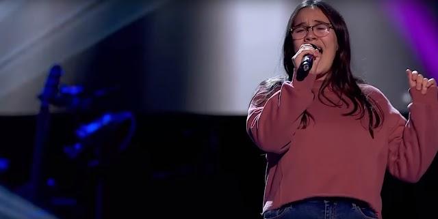 Ana María Escudero conquistó el concurso de talentos con su voz y personalidad.