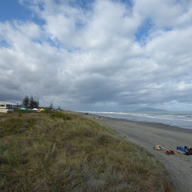 Otaki beach facing south by Mark Dickinson - Landscapes Beaches