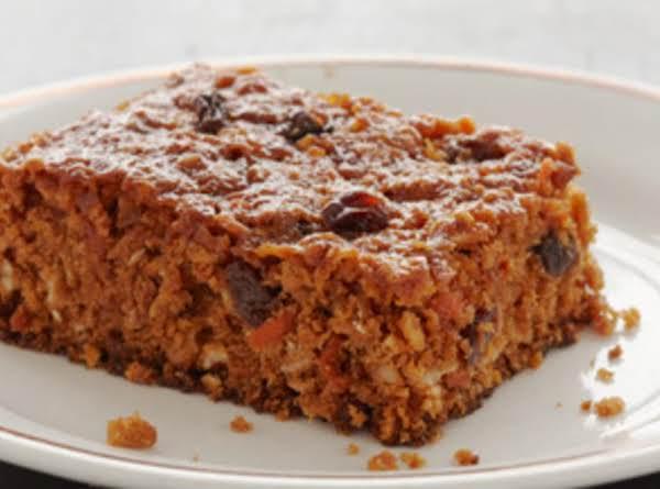 Carrot Cake Chewy Oatmeal Bars