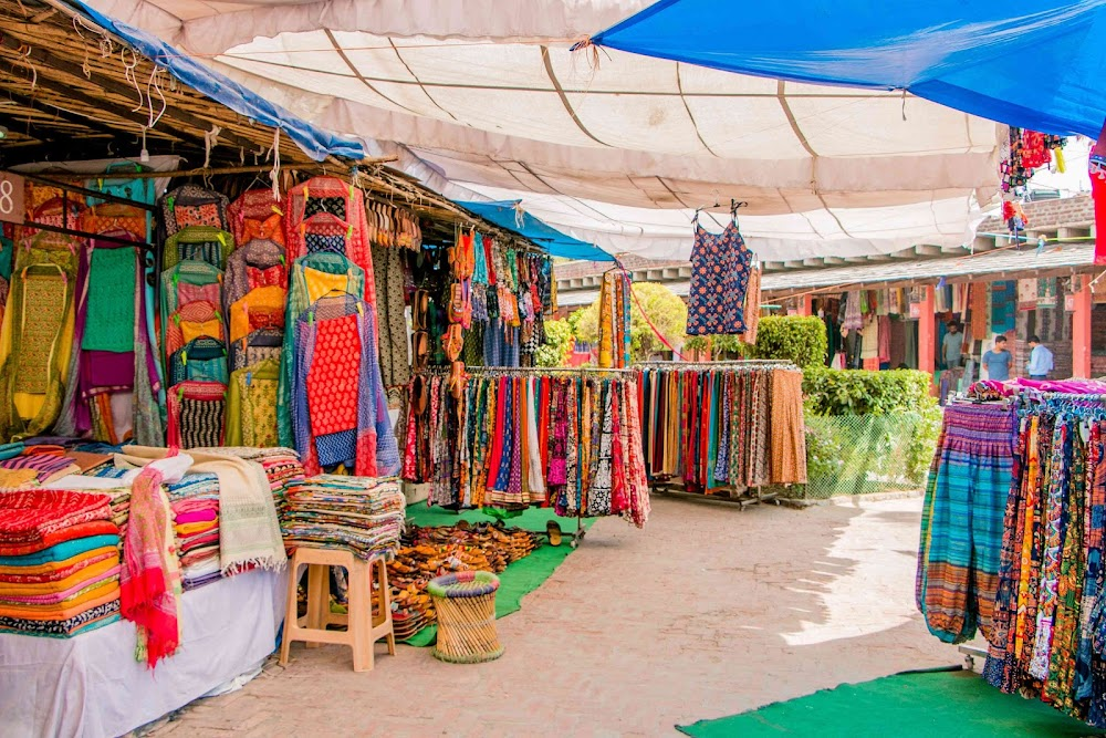 best-places-go-solo-date-valentines-day_dilli_haat