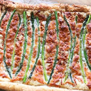 Easy 5 ingredient Asparagus Tart | Meatless Monday.