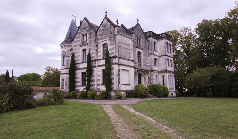 Manoir Barbezieux-Saint-Hilaire