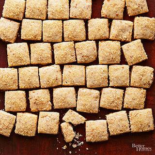 Rum-Praline Shortbread Bites.