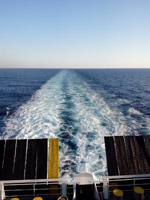 In mezzo al mar di Damocle