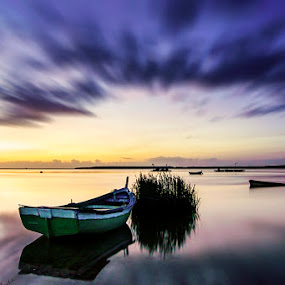 The boat by Paulo Mendonça - Transportation Boats