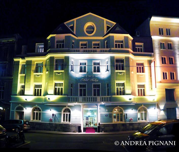 Photo: Hotel Nestroy at night