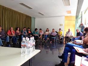 """Photo: Participants en el taller """"Famílies, escola i entorn"""""""